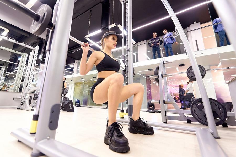Фитнес девушка модель работа свежие объявления о работе для девушек